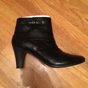 New black booties lifestride